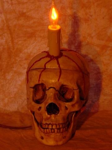 Lighted Skull Display, Bleeding Life-Size Skull