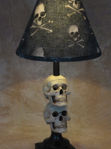 Desk Lamp with 2 Mini-Skulls and Bone shade