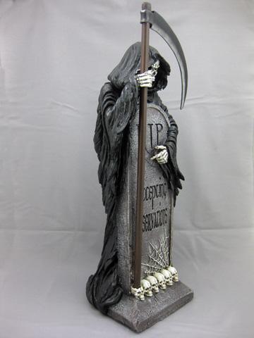 Vacancy Standing Grim Reaper Skeleton Over Tombstone